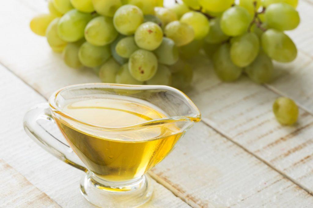 czym-zastapic-olejek-winogronowy